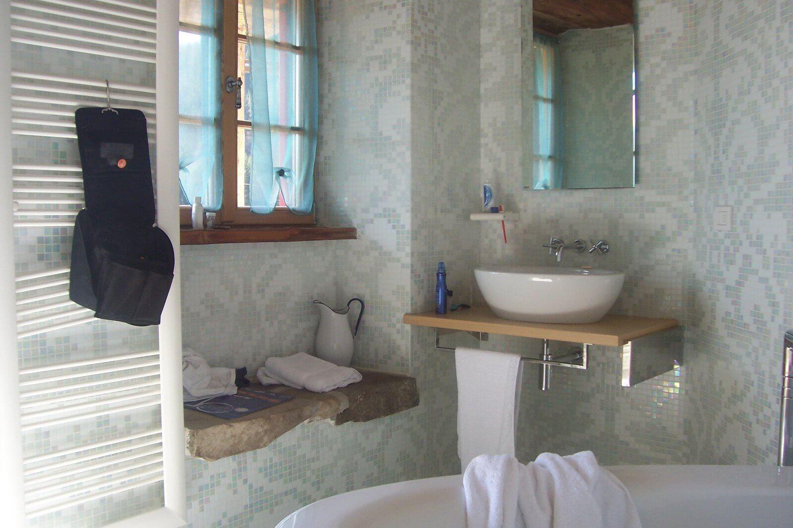 nowoczesne lustro do każdej łazienki